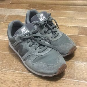 Olive green New Balance 373 sneakers
